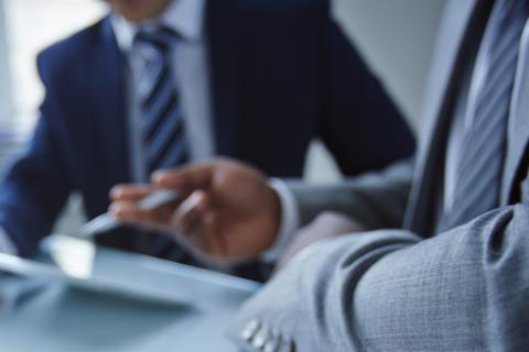 Kỹ năng cần có trong buổi đầu giao tiếp với khách nợ